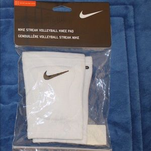Nike STREAK Volleyball Knee Pads Size XS/S NEW